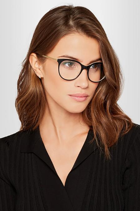 Victoria Beckham 必久戴眼鏡
